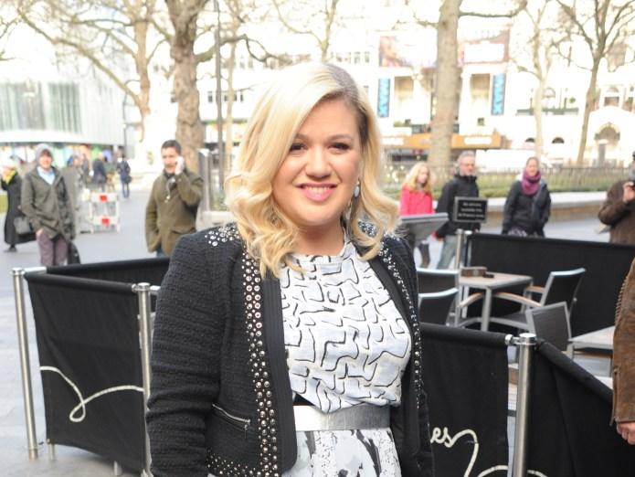 Kelly Clarkson's duet with Jimmy Fallon