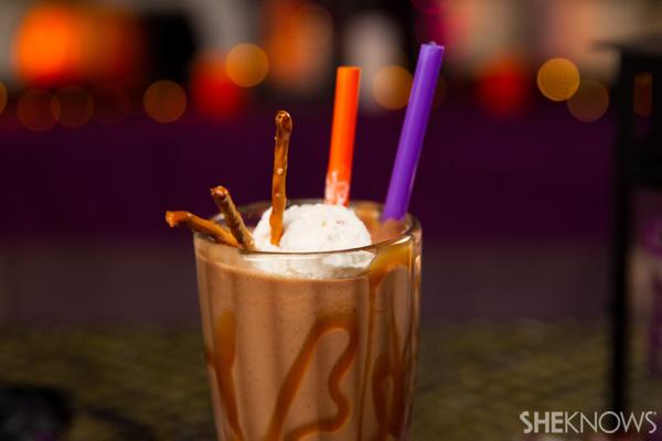 30 Halloween Cocktails & Mocktails That'll Take Your All Hallow's Eve to the Next Level: Pretzel Milkshake