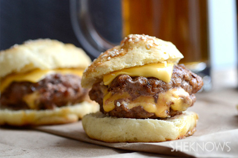 Grilled juicy Lucy burgers