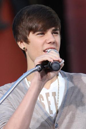 Justin Bieber releases Boyfriend