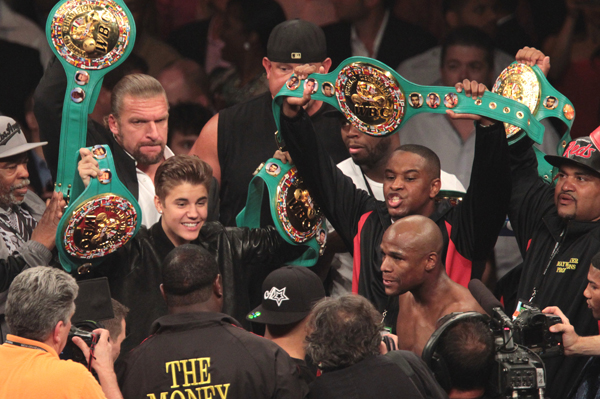Justin Bieber and Floyd Mayweather are BFFs