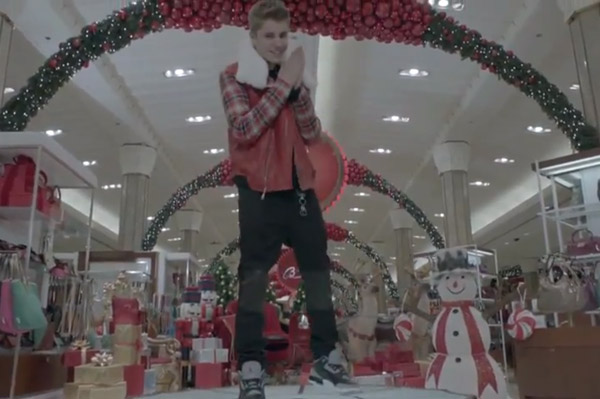Justin Bieber in All I Want for Christmas is You
