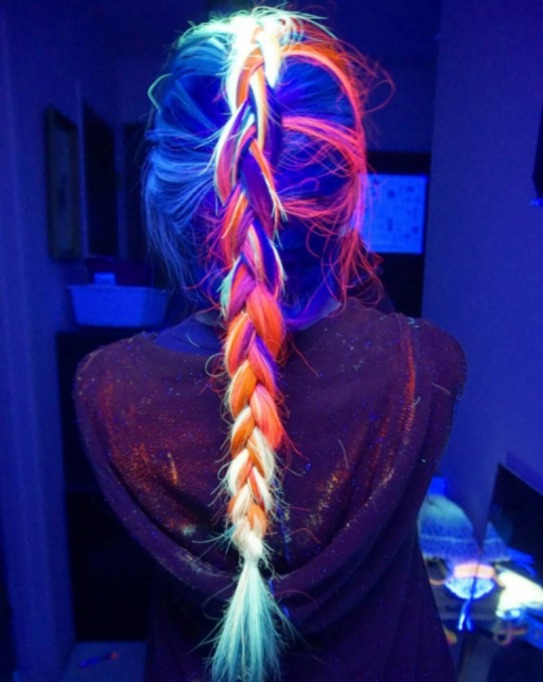 UV reflective hairstyle and braid combination