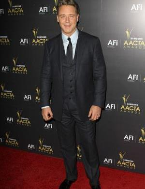 Russell Crowe cast as Noah: He's