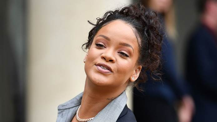 Rihanna Slams Instagram Body-Shamers With Perfect