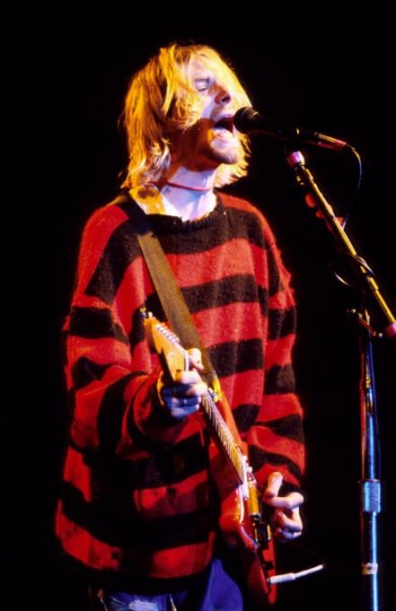 Kurt Cobain Nirvana performing 1990
