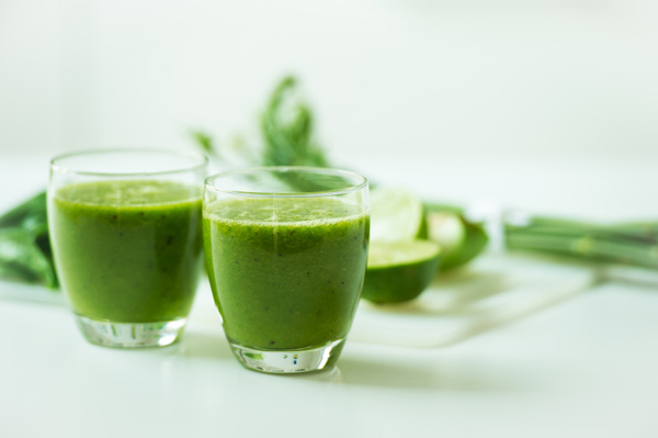 Creamy coconut kale green smoothie recipe
