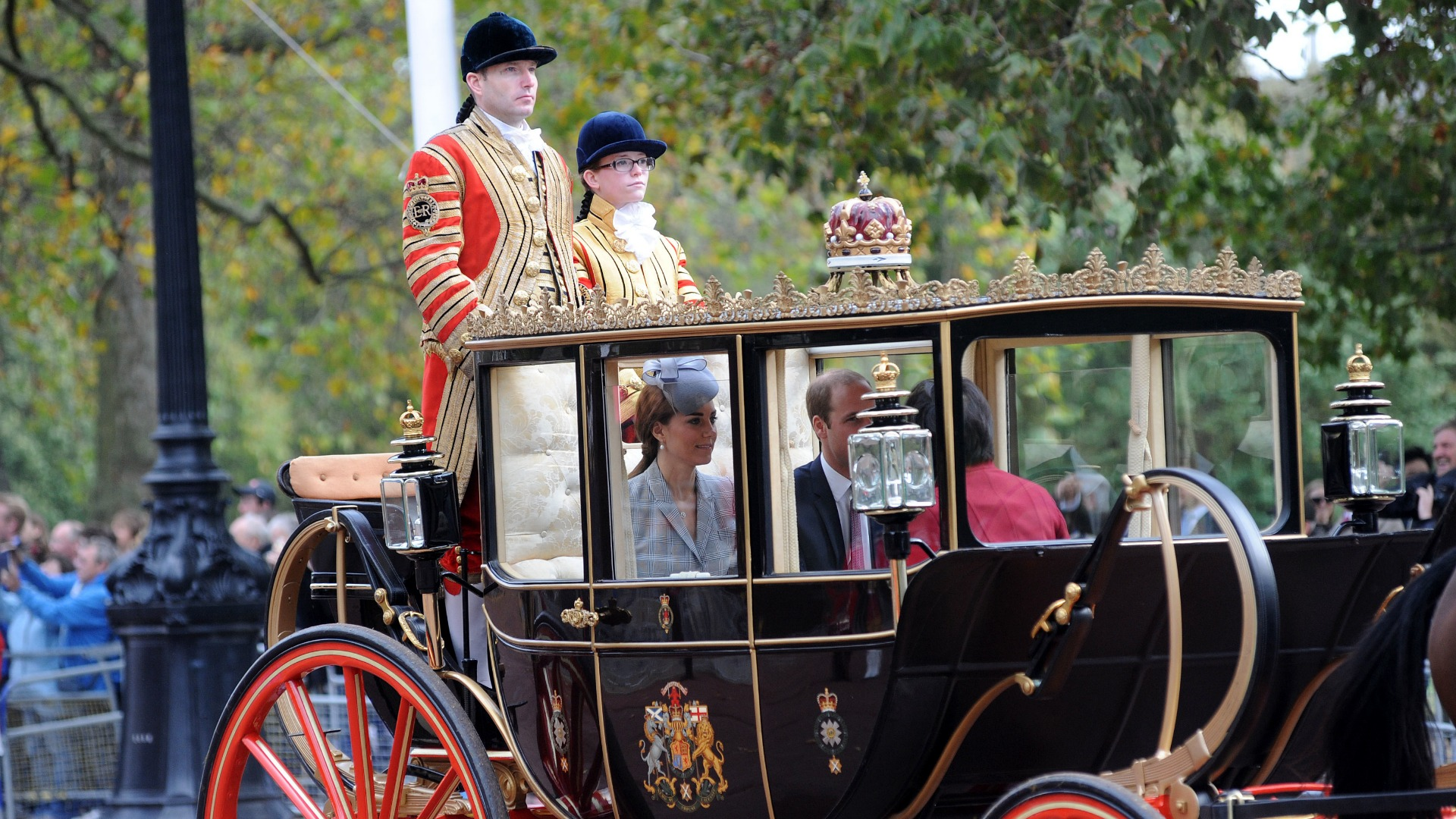 Kate Middleton travels in beautiful royal carriage on official duty