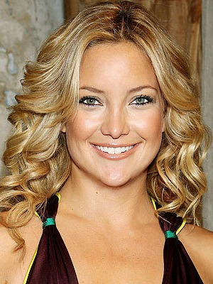 Kate Hudson's curly hairstyle