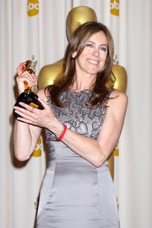 Kathryn Bigelow accepts Oscar