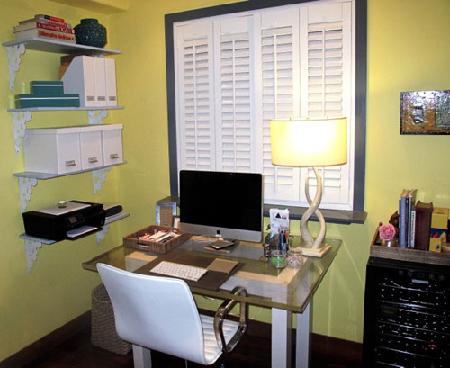 Katrina Teeple organized shelfves