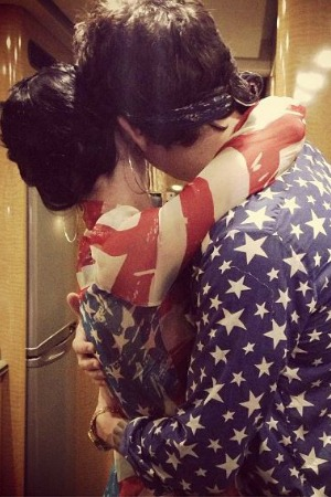 Katy Perry and John Mayer snuggle up on July Fourth