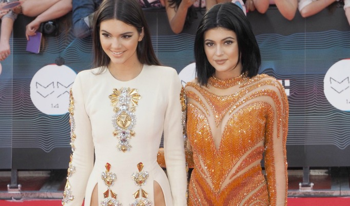 kendall and kylie stab threat