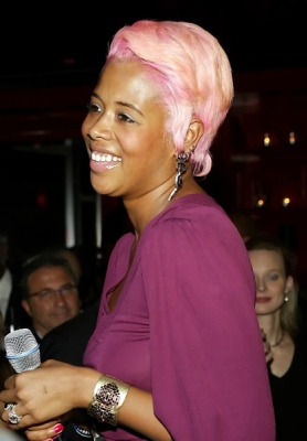 Keli's celebrity pink hairstyle