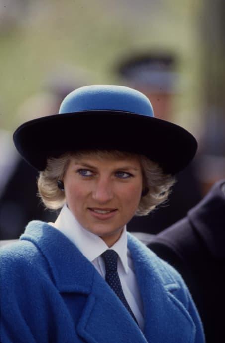 Princess Diana's favorite color eyeliner: Princess Diana Blue Coat