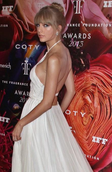 Taylor Swift Fragrance Foundation Awards 2013
