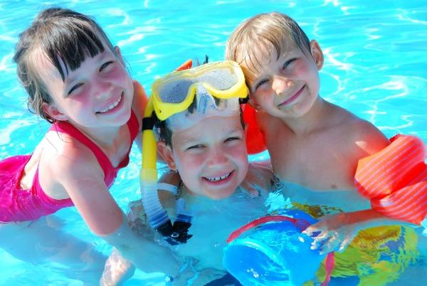 kids playing swimming pool