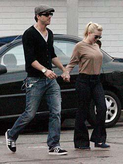 Ryan Reynolds and Scarlett Johansson have