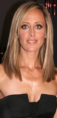 Kim Raver's straight hairstyle