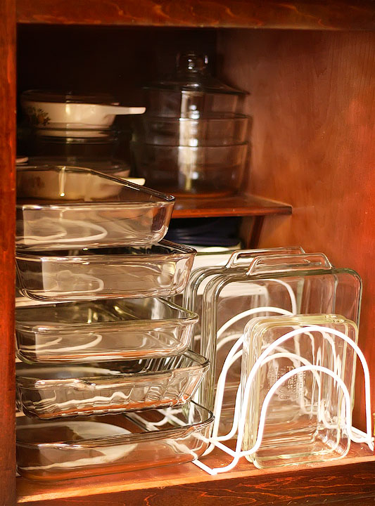 Vertical dividers make it easy to access Pyrex dishes.