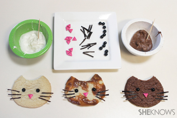 Kitty cat ice cream sandwich faces | SheKnows.com -- make whiskers