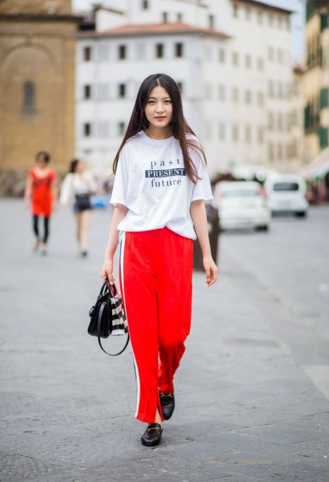 Modern Pieces For Every Woman's Work Wardrobe |Graphic Tee
