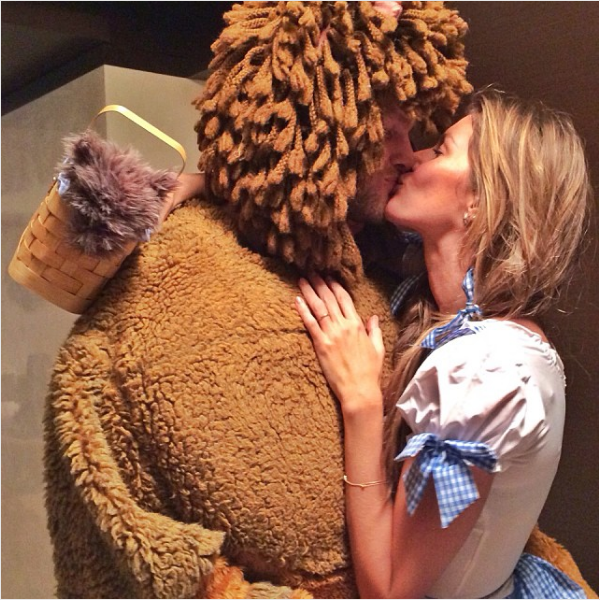 Gisele Bundchen and Tom Brady as Dorothy and the Cowardly Lion