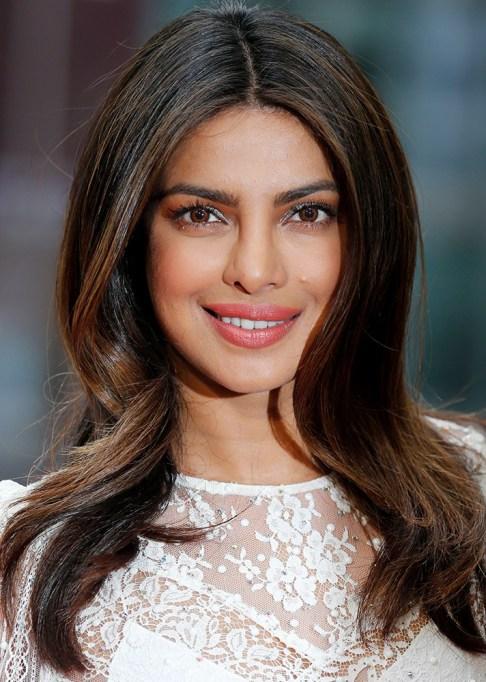 Celebrity-Inspired Ways to Wear Pink Lipstick | Priyanka Chopra in pink lipstick | Celeb Style Trends 2017