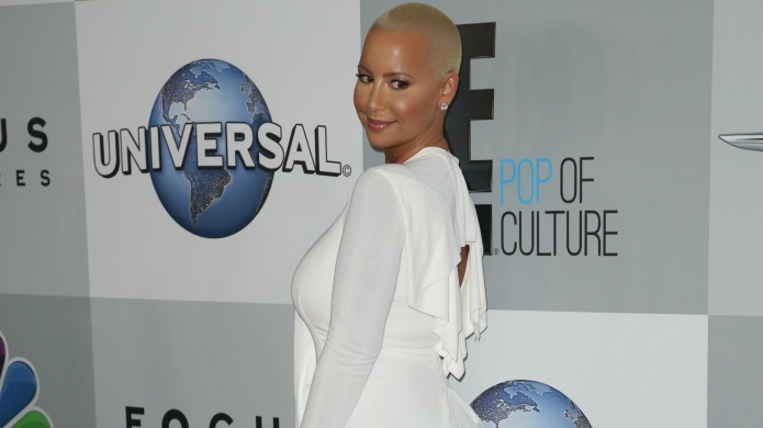 Amber Rose posts nude pic of