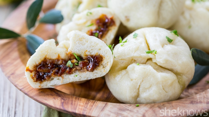 How to make steamed pork buns