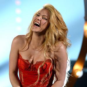 Shakira's hair has us flabbergasted