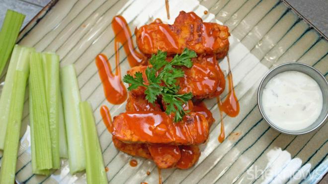 Vegetarian Buffalo tempeh hot wings