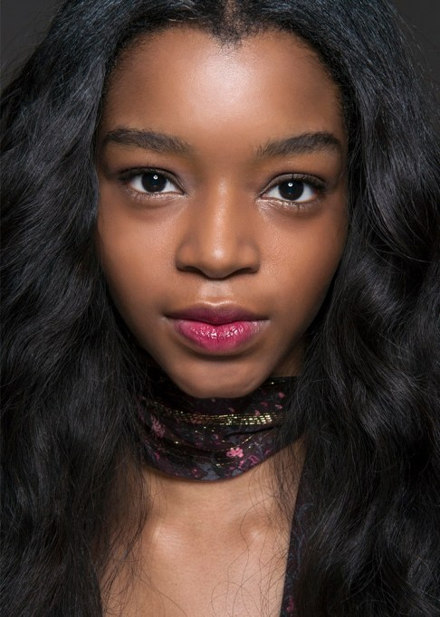 Summer Beauty Ideas For When It's Crazy-Hot | Berry stained, glossy lips
