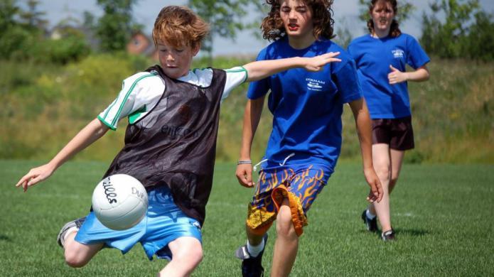 Australian kids can't kick a ball