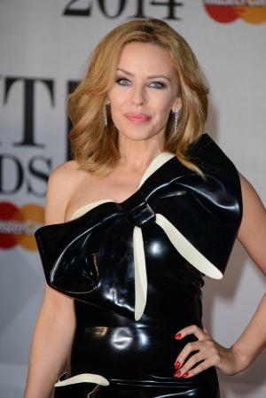 Kylie Minogue defends Miley Cyrus's behavior