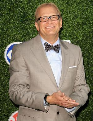 Drew Carey ditches fiancee for blonde