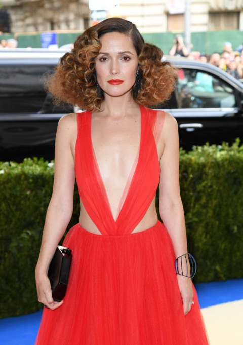 Celebrity Beauty Resolutions to Steal for 2018 | Rose Byrne — Sleep More