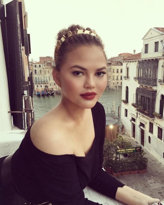 Celebrity Approved Beauty Hacks | Chrissy Teigen — Put Moisturizer Over Your Makeup