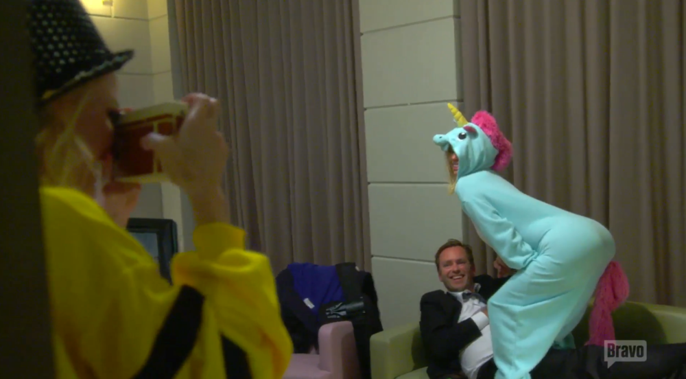 Caroline unicorn humping