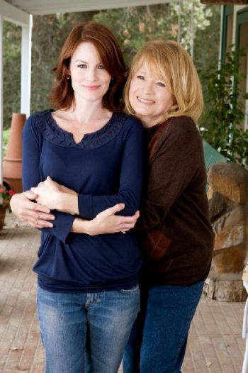 Laura Leighton and Angie Dickinson in Mending Fences
