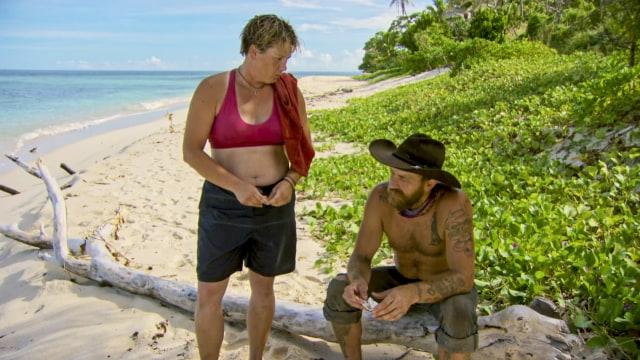 Lauren Rimmer talks with Ben Driebergen on Survivor: Heroes Vs. Healers Vs. Hustlers