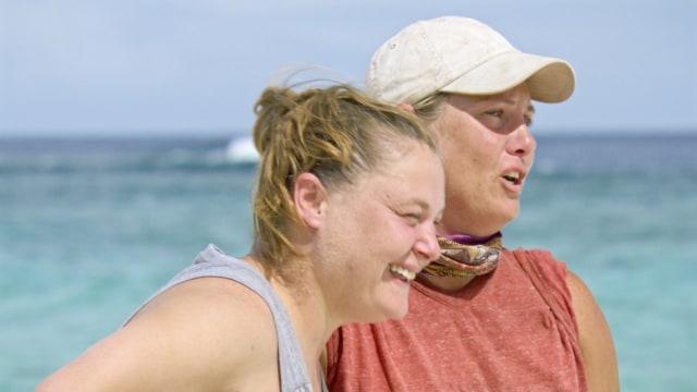 Lauren Rimmer with her sister on Survivor: Heroes Vs. Healers Vs. Hustlers