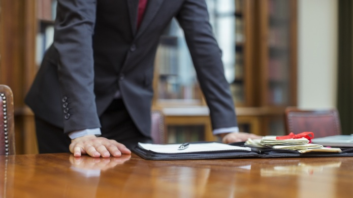 Signs your divorce lawyer is causing