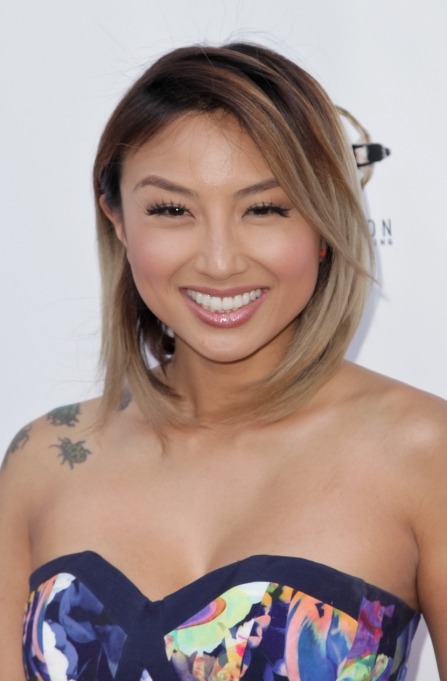 Celebrities On Their Favorite Thanksgiving Dishes | Jeannie Mai