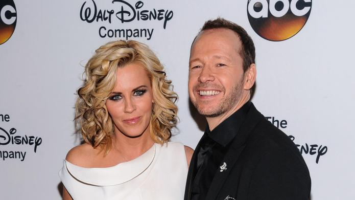 Jenny McCarthy & Donnie Wahlberg marrying