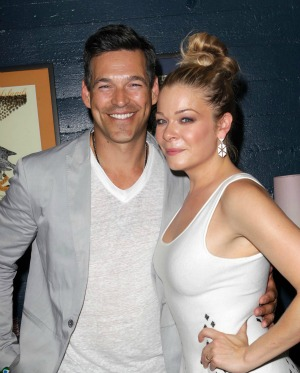 LeAnn Rimes is too busy for a deposition