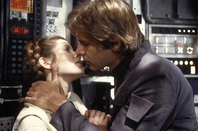 Leia & Han kissing