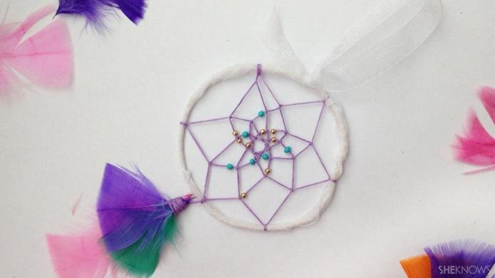Make your own dreamcatcher with this