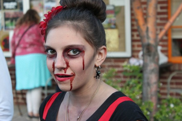 Last-Minute Halloween Costumes That Require Nothing More Thank Makeup