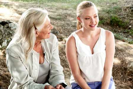 Vanessa Redgrave and Amanda Seyfried in Letters to Juliet